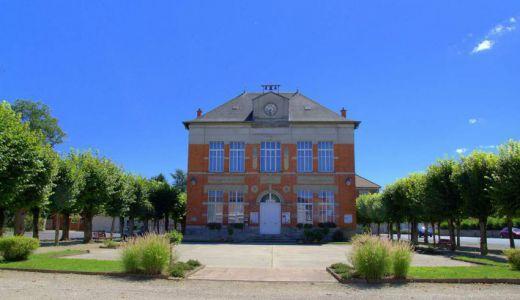 Vue d'ensemble de la mairie